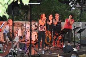 chanteuses sur scène