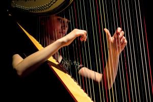 Musicienne - Harpe